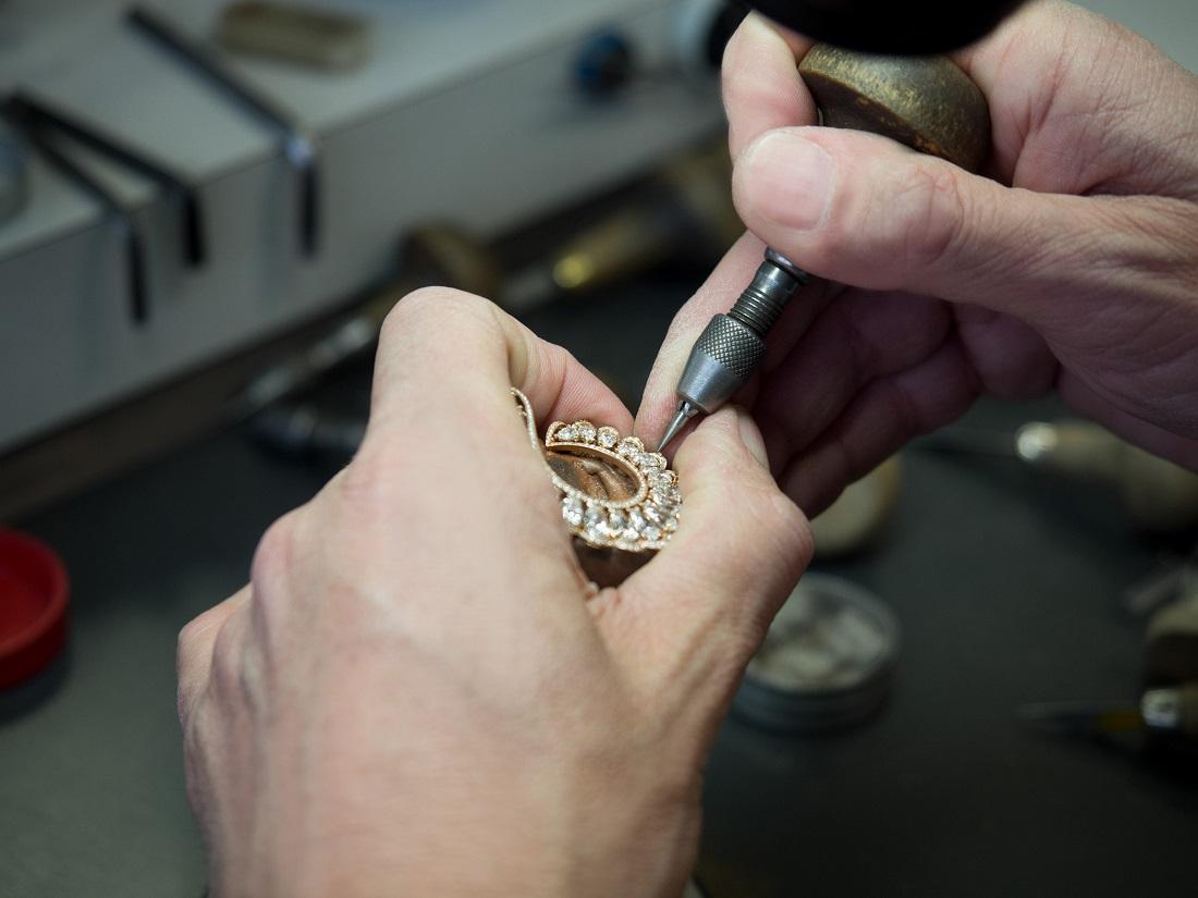 Precious Chopard là nơi phô diễn của những kỹ thuật xử lý đá quý