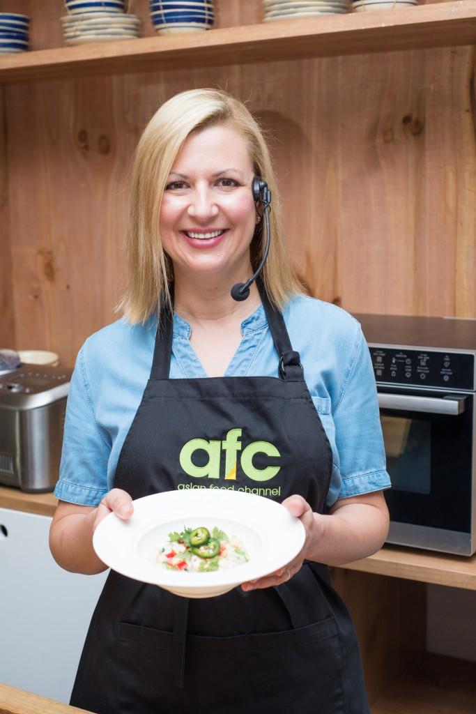 """Anna trở thành một đầu bếp được chú ý sau khi cô tham gia một số chương trình truyền hình, như """"Sugar"""", """"Kitchen Equipped"""" và """"Fresh with Anna Olson"""""""