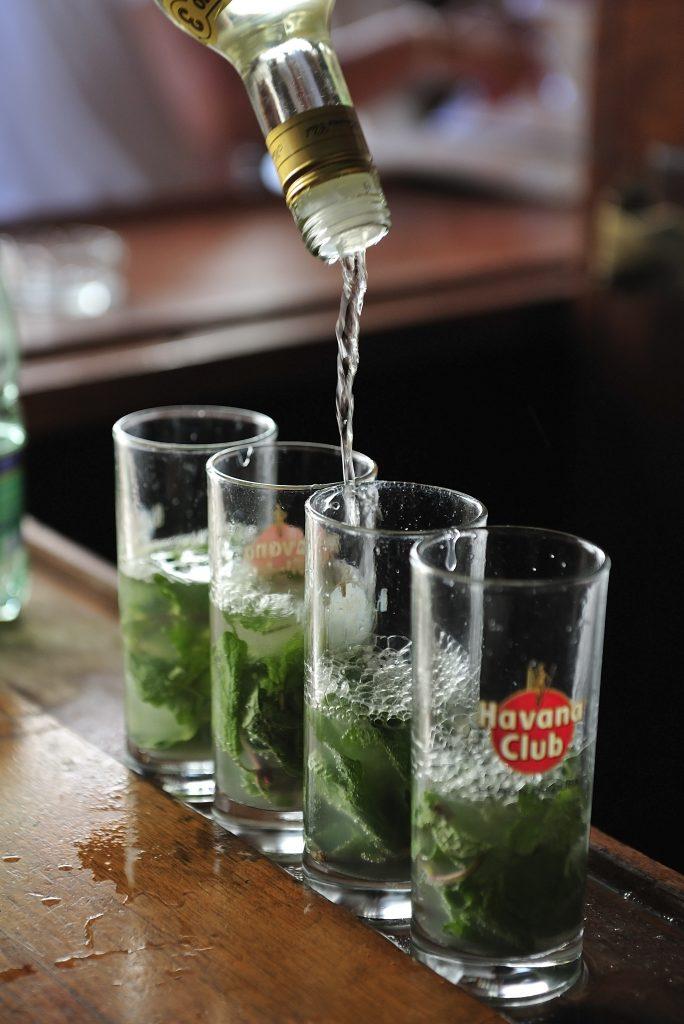 Mojito là thức uống truyền thống mà bạn nhất định phải thử khi đến với Cuba