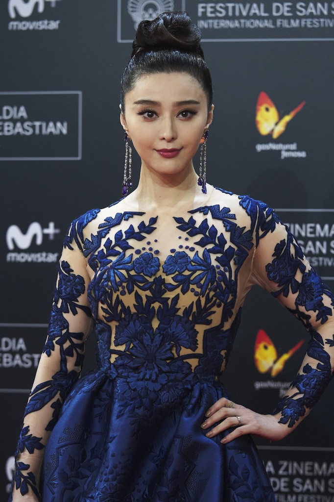 SAN SEBASTIAN, SPAIN - SEPTEMBER 16: Actress Fan Bingbing attends 'La Fille De Brest' premiere during 64th San Sebastian International Film Festival at Kursaal Palace on September 16, 2016 in San Sebastian, Spain. (Photo by Carlos Alvarez/Getty Images)