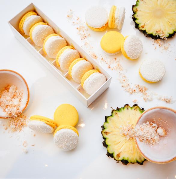 Pinacolada Macaron