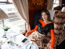 Khám phá vẻ đẹp miền quê Anh quốc qua bộ sưu tập Dior Cruise 2017