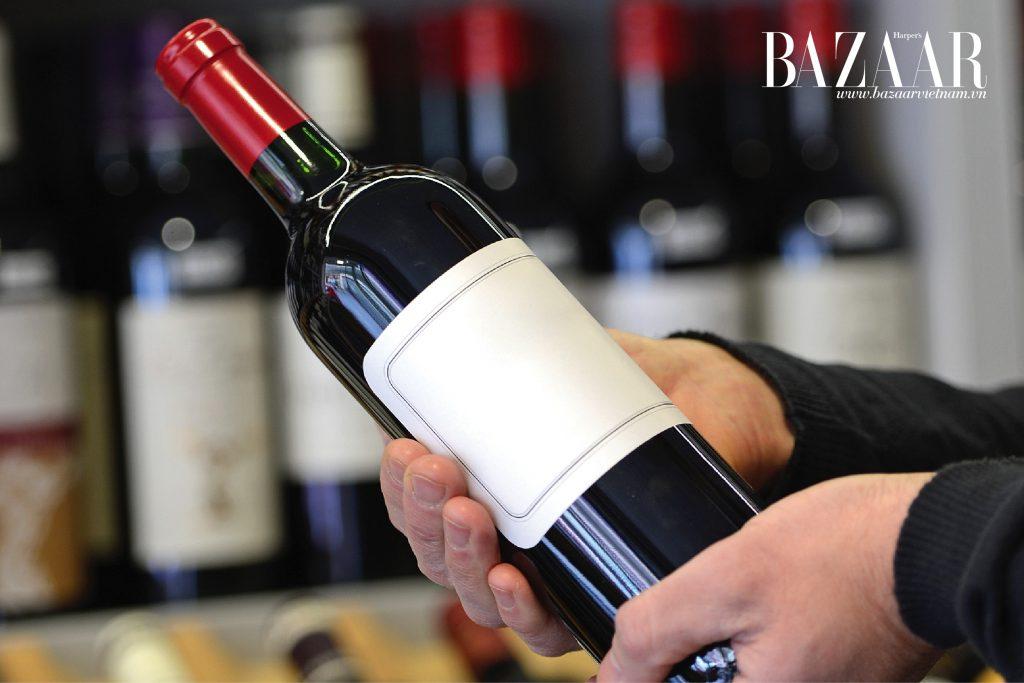 """Lựa chọn một chai vang ngon với giá không quá """"chát"""" luôn là ao ước của nhiều người yêu thích vang"""
