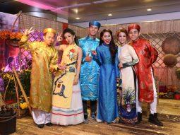 Ngắm dàn diễn viên Cô Thắm về làng 2 tươi vui trong trang phục áo dài truyền thống