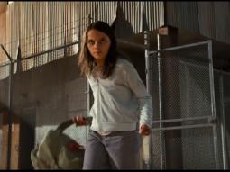 """""""Con gái người sói"""" đối đầu cả thế giới trong trailer mới của Logan"""