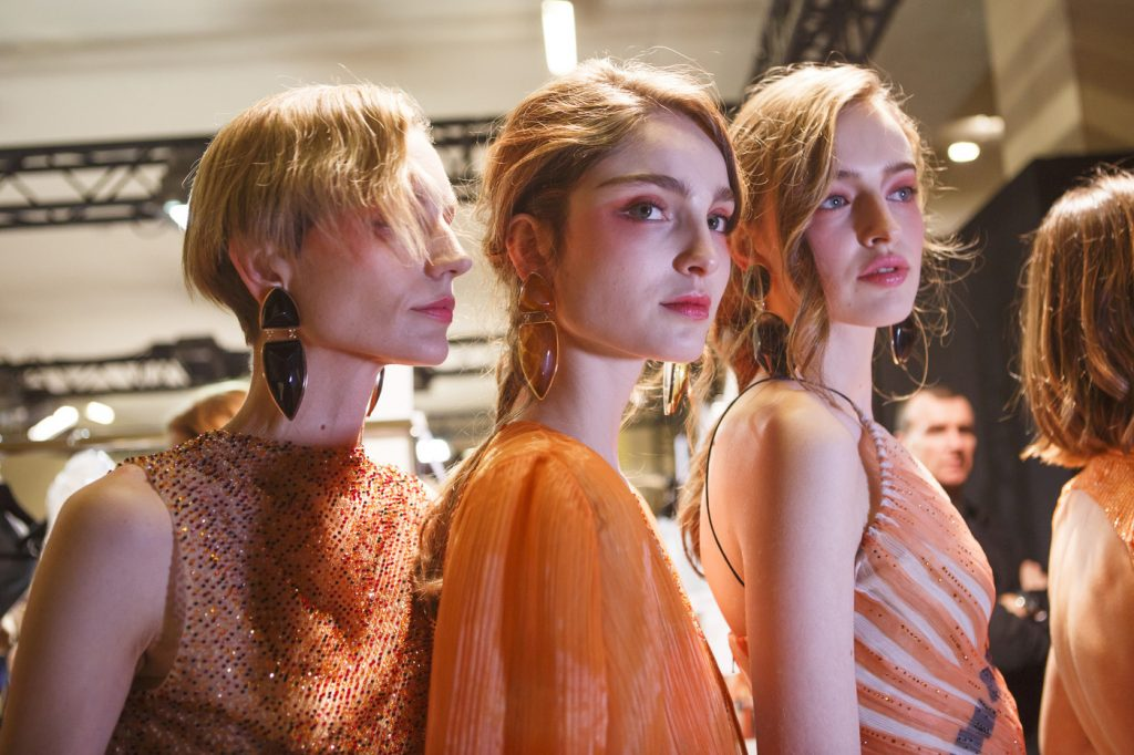 backstage-at-armani-prive-couture-spring-2017