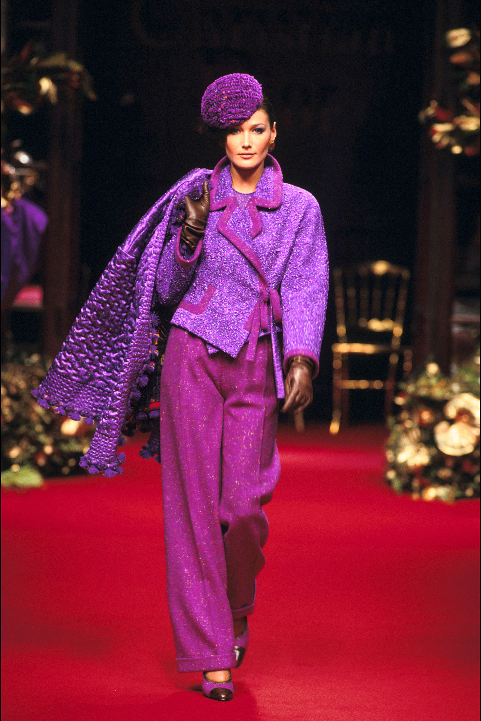 Carla Bruni trong trang phục Dior, 1993