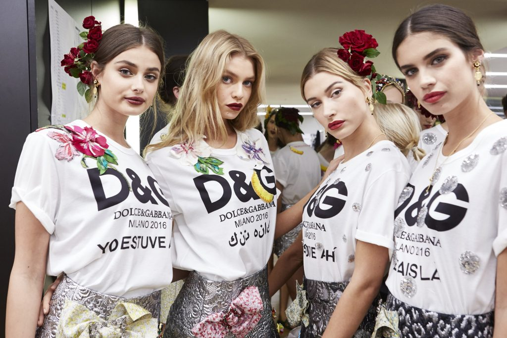 dolcegabbana_womens_fashion_show_ss17_backstage-70