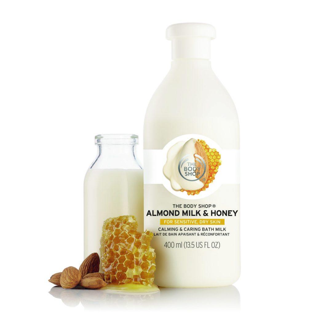 Công thức nhằm bảo vệ độ ẩm tự nhiên của da, với sự pha trộn tinh tế giữa các loại dầu tự nhiên. Sữa tắm dạng kem sẽ nhẹ nhàng làm sạch, dịu da và giảm cảm giác căng da. GIÁ: 599.000 VNĐ