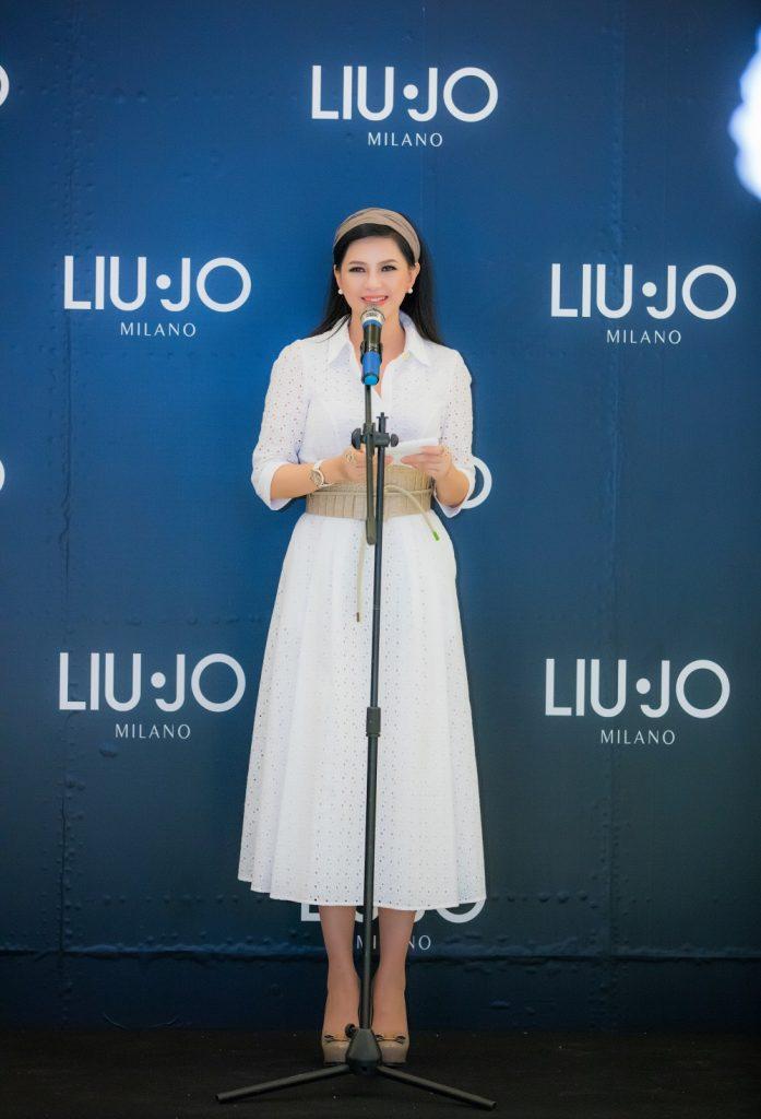 Nữ doanh nhân Thủy Tiên phát biểu tại sự kiện ra mắt cửa hàng Liu Jo