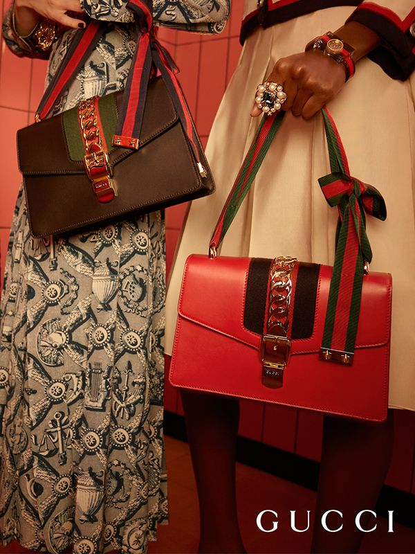 Túi sylvie của Gucci