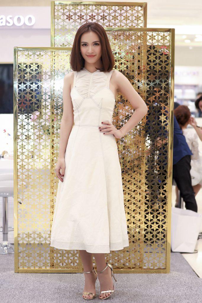 Nữ ca sỹ Ái Phương đến tham gia chương trình ra mắt sản phẩm của Sulwhasoo