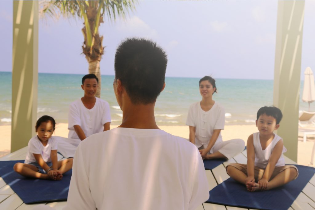 20171605-la-veranda-family-yoga