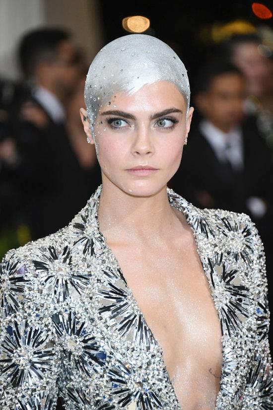 20170905 Cara Delevingne hair