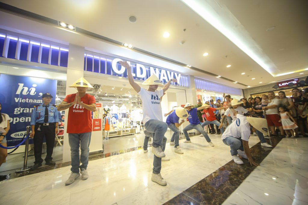 20170613 old navy vietnam 01