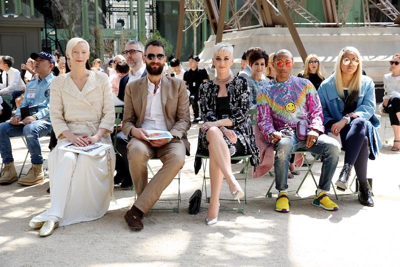 Các ngôi sao nổi tiếng đến dự show diễn Chanel Haute Couture 2018