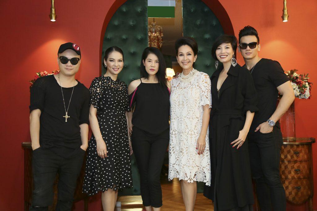 Nhà thiết kế Đỗ Mạnh Cường, nam người mẫu Lê Xuân Tiền và các người đẹp không tuổi