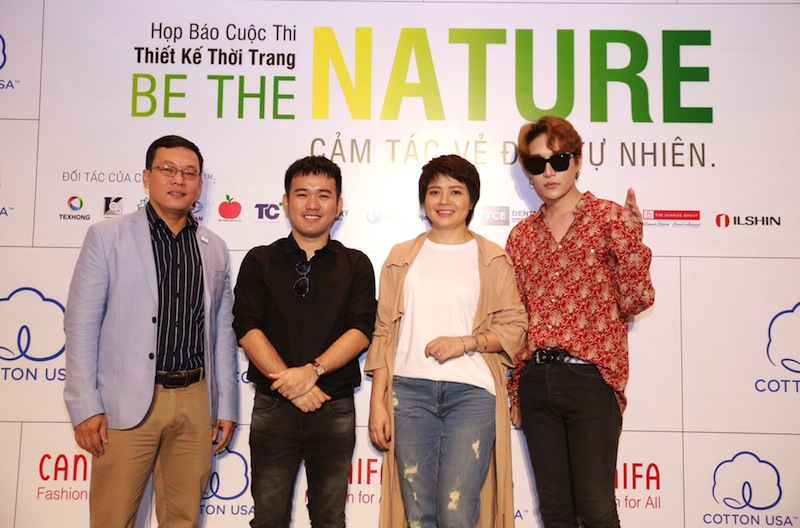 Trong vai trò giám khảo, nhà thiết kế Lê Thanh Hoà (thứ hai từ trái sang) đồng hành cùng thương hiệu COTTON USA™ và CANIFA