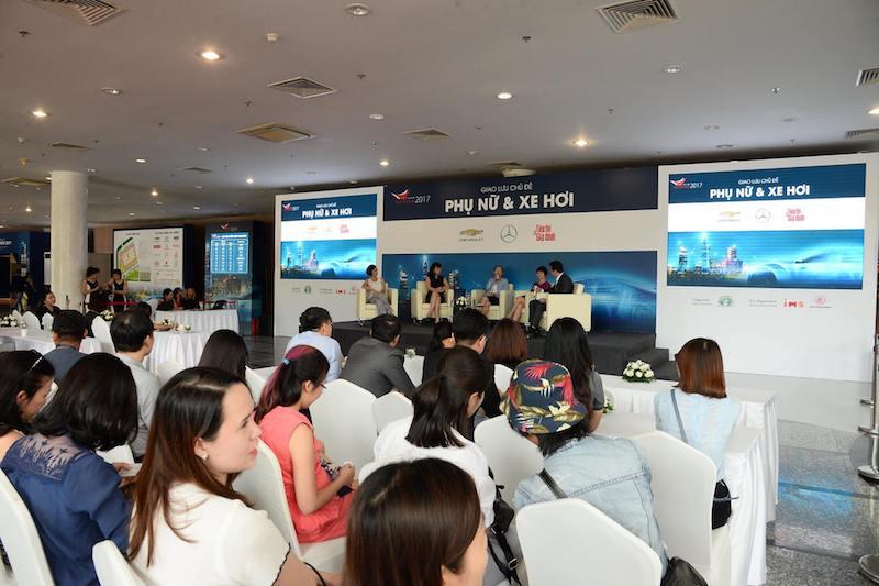 """Hội thảo """"Phụ nữ và xe hơi"""" do tạp chí Tiếp Thị Gia Đình tổ chức tại Triển lãm Ô tô Việt Nam 2017"""