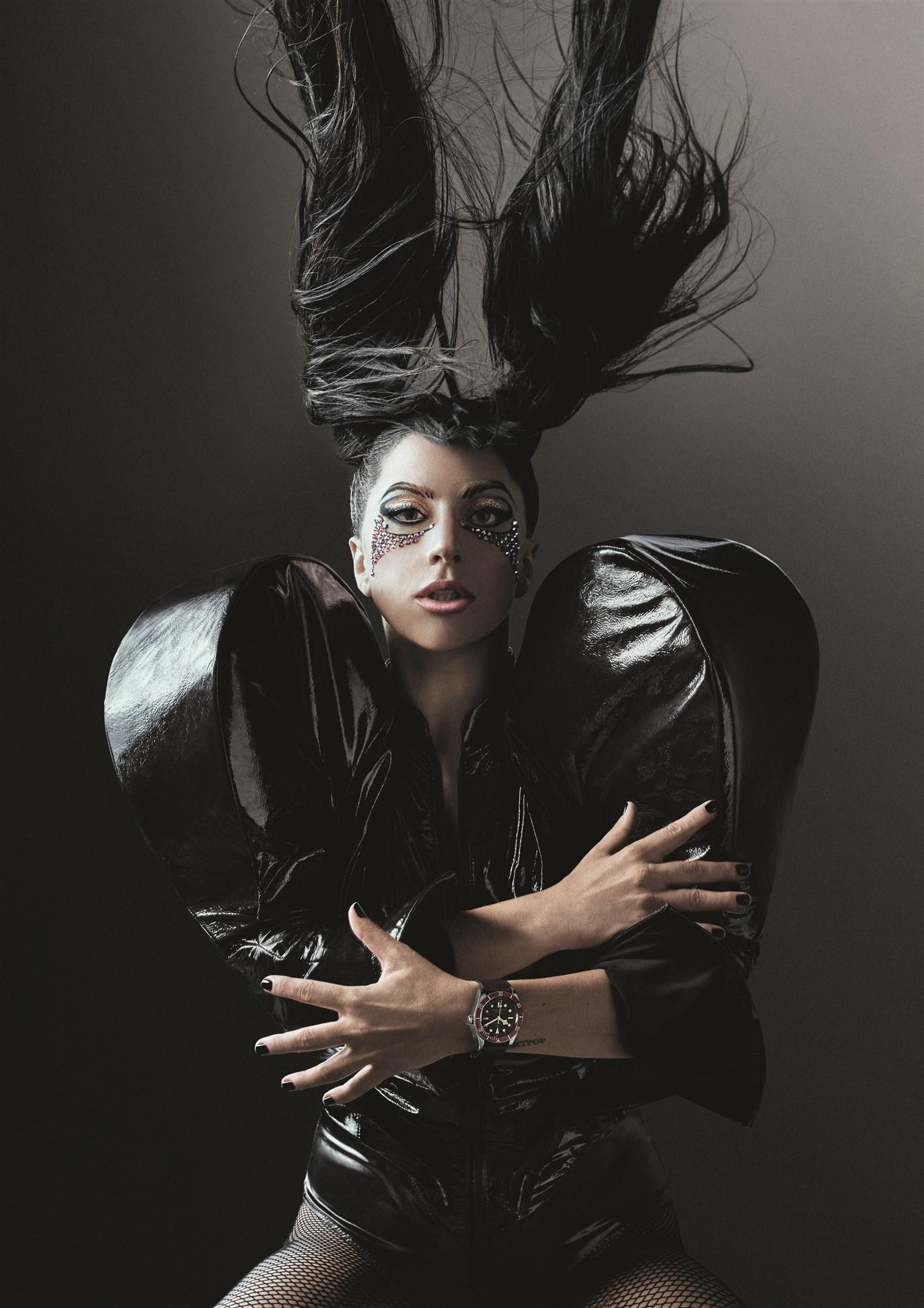 Nữ ca sĩ Lady Gaga, gương mặt đại sứ cho đồng hồ nữ của thương hiệu đồng hồ Tudor.