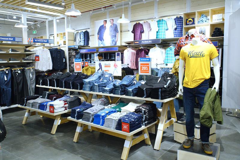 Old Navy khai trương cửa hàng tại Crescent Mall 1