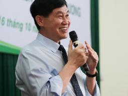 Doanh nhân Johnathan Hạnh Nguyễn truyền cảm hứng cho giới trẻ