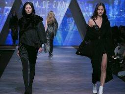 Tuần lễ thời trang Quốc tế Việt Nam bế mạc với 6 màn trình diễn từ Eva De Eva