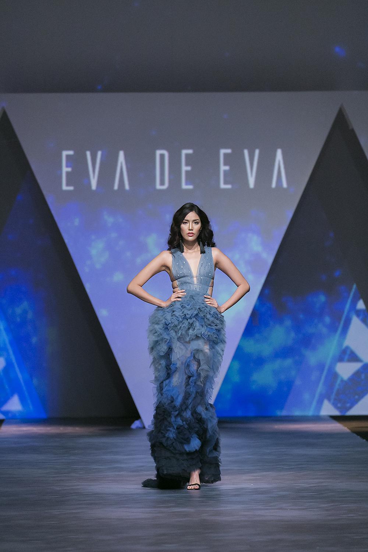 Trong vai trò Vedette, Hoa khôi Áo dài Lan Khuê trong thiết kế váy dạ hội bay bổng đã viết lên cái kết đẹp đẽ cho show diễn kỉ niệm 10 năm thương hiệu Eva de Eva; cũng là đêm bế mạc đầy ấn tượng cho sự kiện thời trang đẳng cấp Tuần lễ thời trang Quốc tế Việt Nam.