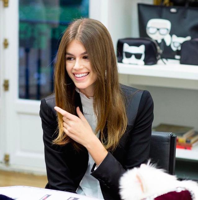 Hình ảnh Kaia Gerber trên instagram của Karl Lagerfeld