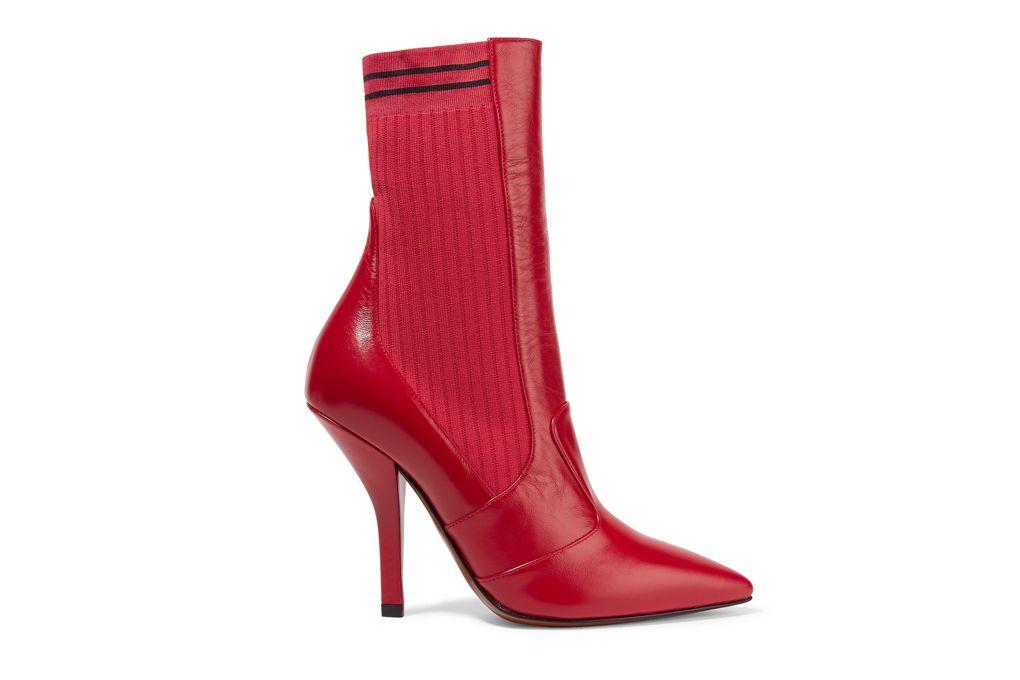 Boots da kết hợp vải dệt kim của Fendi