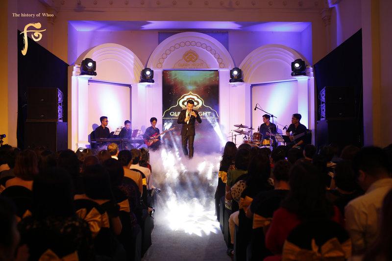 Ca sĩ Hồ Trung Dũng thu hút và ấm áp tại sự kiện TP HCM