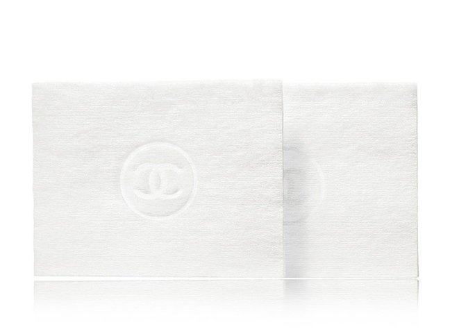Cotton pad của Chanel