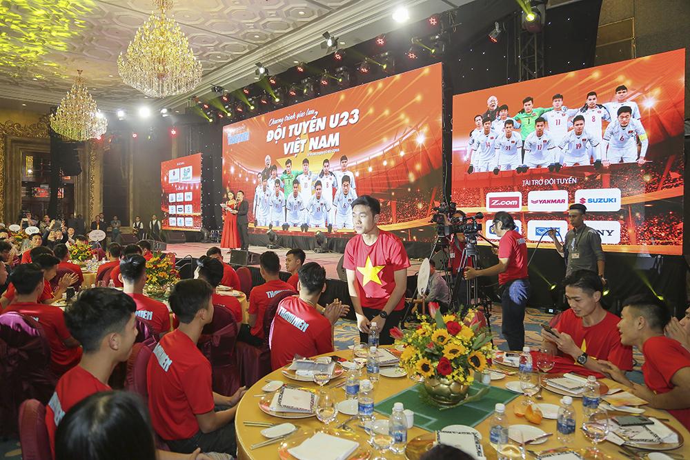Buổi tiệc giao lưu được diễn ra tại không gian tổ chức sự kiện của khách sạn.