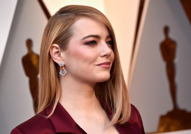 Gương mặt được trang điểm tự nhiên nhưng ấn tượng của Emma Stone