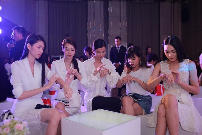 20180326-san-pham-duong-da-shiseido-essential-energy-8