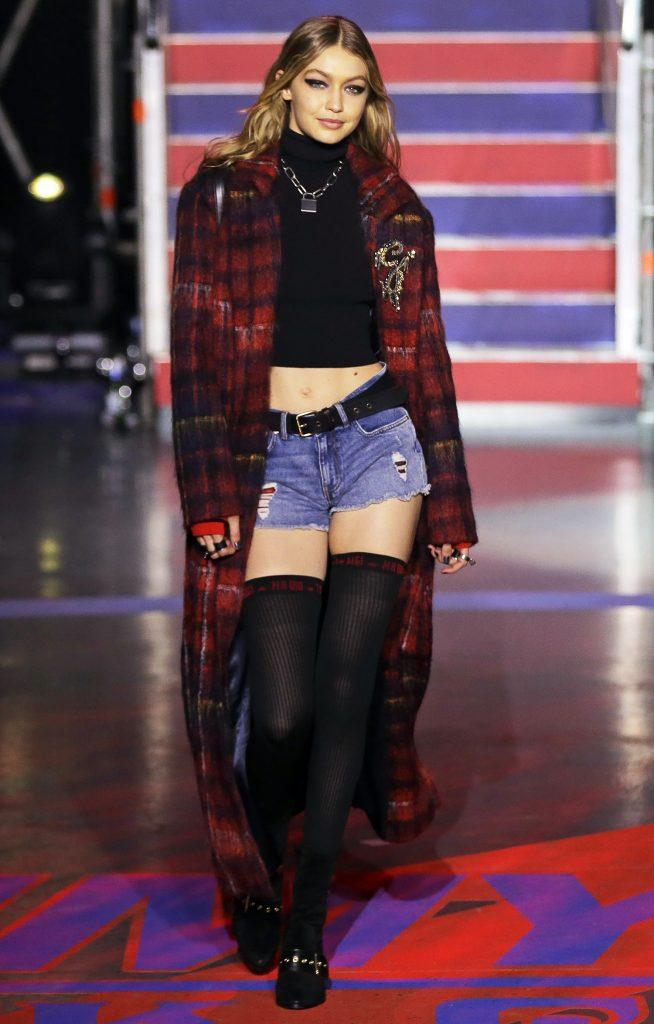 Cô gái trẻ đã sải bước cho hơn 60 thương hiệu sau liên tiếp 8 mùa thời trang