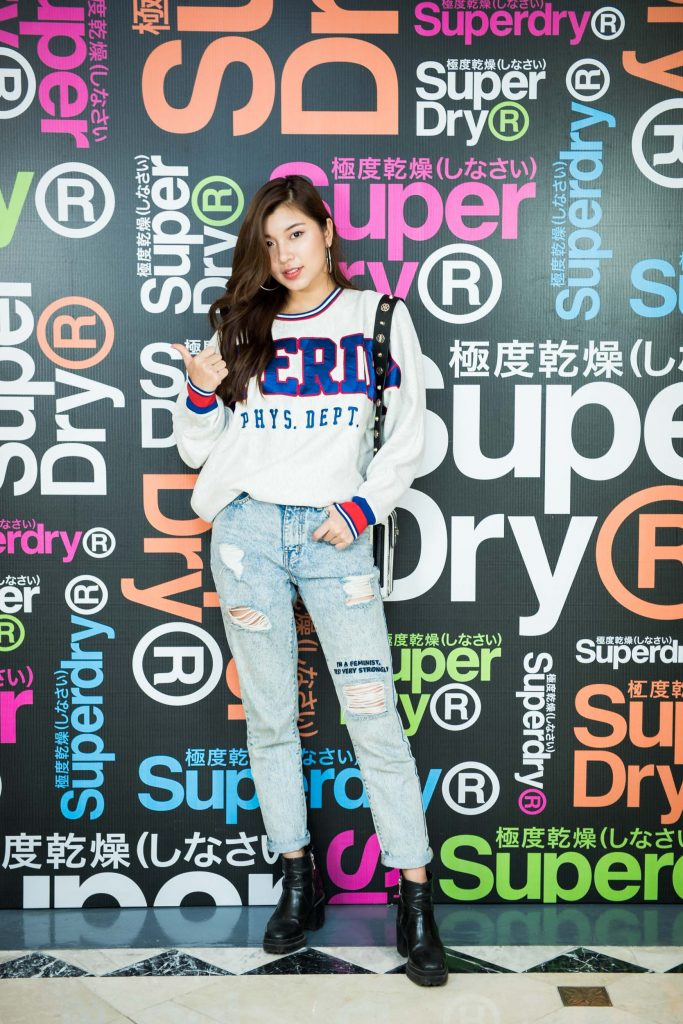 20182404-thuong-hieu-superdry-01