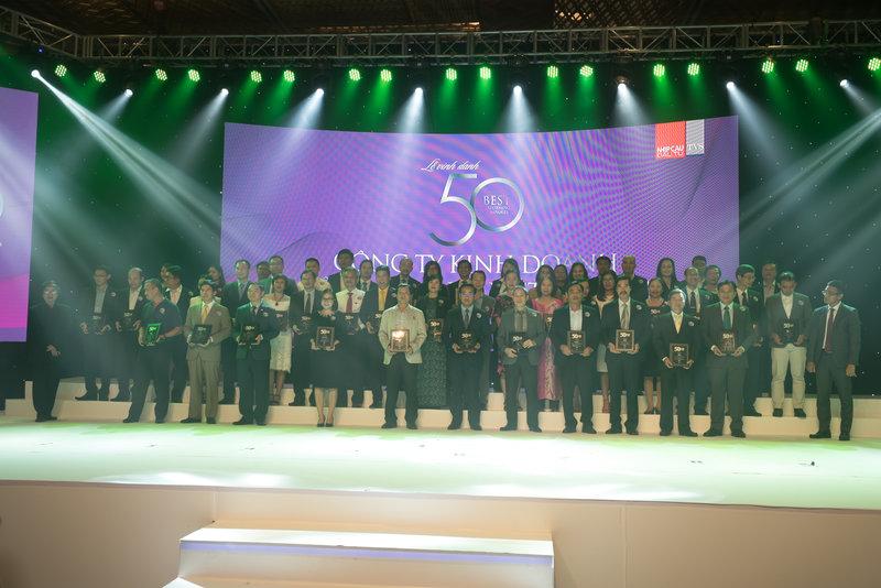 Toàn cảnh đại diện 50 doanh nghiệp tại buổi lễ công bố.