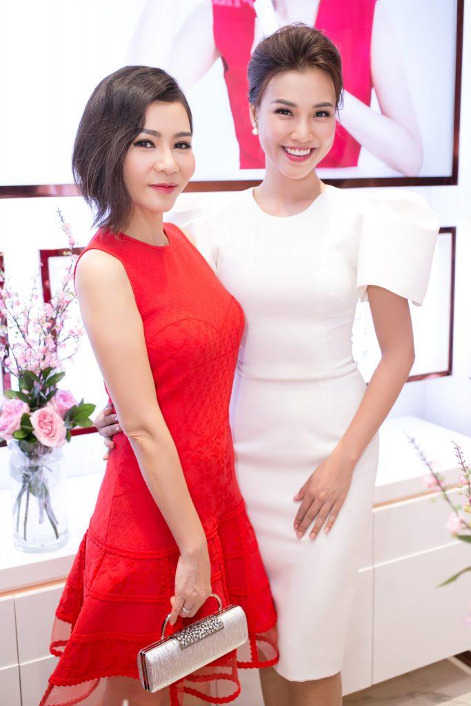 20180730 dàn sao khai trương cửa hàng mỹ phẩm cho nami 05