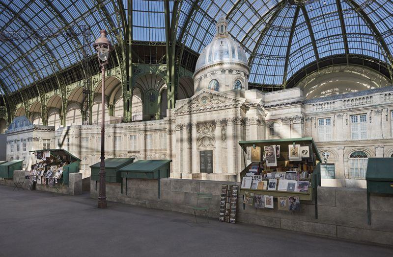 Giám đốc Sáng tạo Karl Lagerfeld mang khung cảnh bên bờ sông Seine (Paris) vào show diễn