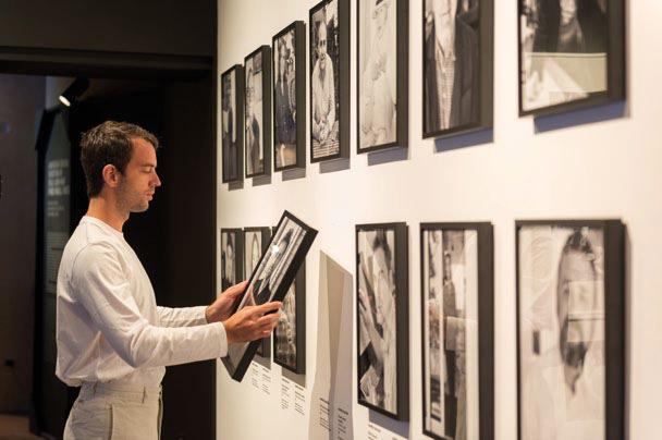 Nhiếp ảnh gia trường phái thể nghiệm - Manfredi Gioacchini, chiêm ngưỡng những bức chân dung trong không gian triển lãm