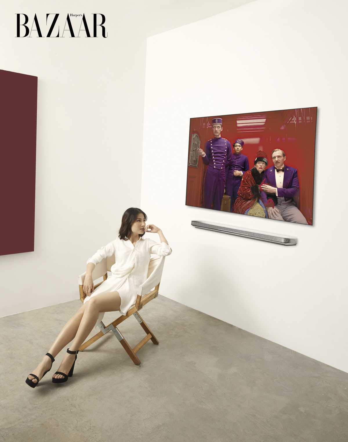 """DIỄN VIÊN DIỄM MY 9X Đầm ngắn tay dài chất liệu lụa satin, Lê Lucas. LG OLED TV 65"""" W8"""
