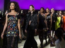 Versace Spring 2019: Cuộc hội ngộ của các thế hệ siêu mẫu