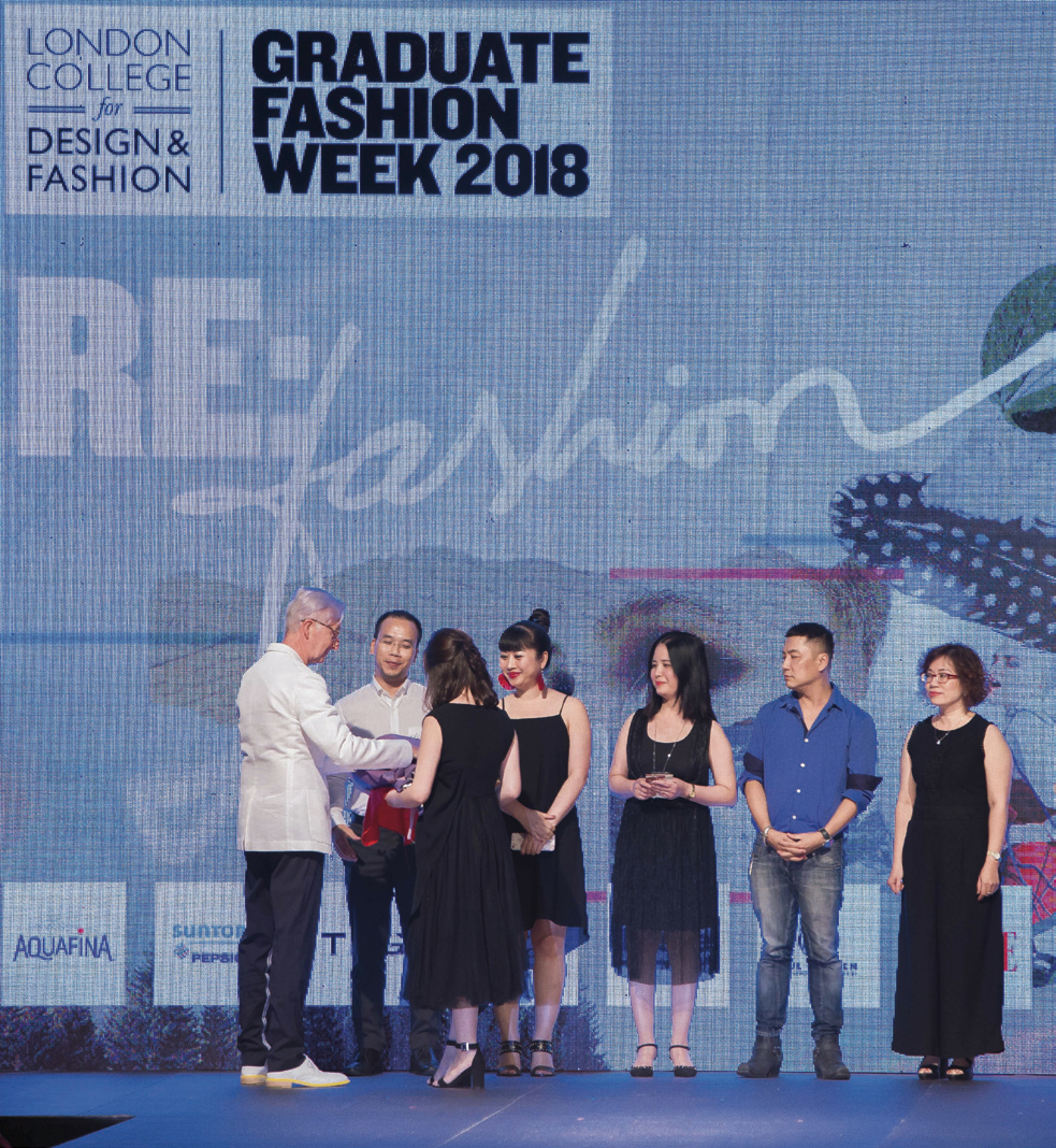 Buổi lễ Tốt nghiệp tại Học viện Thiết kế và Thời trang London ngày 11/8 vừa qua