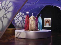 Thời trang đạo Hồi, những trang phục hoàng gia xa xỉ bậc nhất
