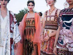 Video: Những nữ thần sải cánh trong bộ sưu tập Dolce & Gabbana Alta Moda 2019