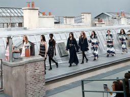 CHANEL XUÂN HÈ 2020: GIẤC MỘNG ĐÊM HÈ CỦA CÁC CÔ GÁI PARIS