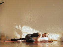 Những thói quen tốt trước khi ngủ tốt cho làn da