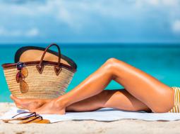 Cách tẩy lông chân bằng oxy già liệu có hiệu quả?