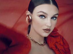 Olivia Brower: Vẻ đẹp quyền quý đến từ đôi mắt biết nói